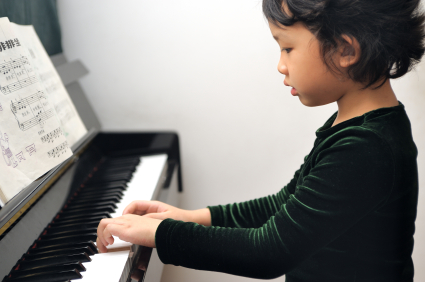 piano lesson for young child